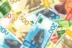 Algunos nuevos billetes de banco de la corona noruega imagen de archivo