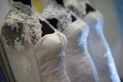 Algunos vestidos de boda imagen de archivo libre de regalías