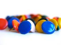 Alguns desenho-pinos coloridos Fotos de Stock