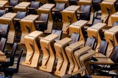 Alguns dos assentos dos membros no parlamento escocês foto de stock royalty free