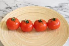Alguns tomates frescos foto de stock