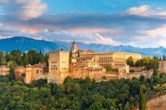 Alhambra al tramonto a Granada, Andalusia, Spagna Fotografia Stock Libera da Diritti