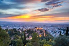 Alhambra al tramonto a Granada, Andalusia, Spagna Fotografie Stock