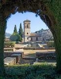 alhambra arbeta i trädgården den granada slotten Arkivbild