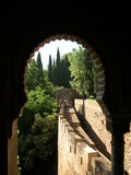 alhambra båge arkivfoton