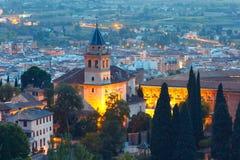 Alhambra bei Sonnenuntergang in Granada, Andalusien, Spanien Lizenzfreies Stockbild
