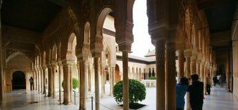 Alhambra Court av lejon Royaltyfri Bild