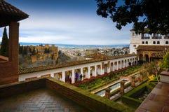 Alhambra - forntida arabisk fästning, Granada, Andalusia, Spanien Royaltyfri Fotografi