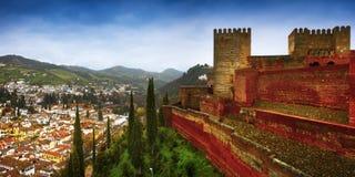 Alhambra - forntida arabisk fästning, Granada, Andalusia, Spanien Arkivfoto