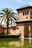 alhambra granada damtoaletttorn royaltyfria bilder