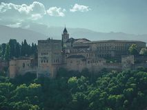 Alhambra Granada e serra Nevada fotos de stock royalty free