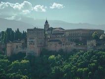 Alhambra Granada et sierra Nevada photos libres de droits
