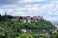 alhambra granada spain Den härliga historiska slotten, är det mest besökte stället i Spanien av turister royaltyfria foton