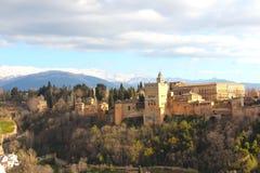 Alhambra Granada van verafgelegen stock foto's