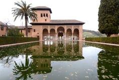 Alhambra im Generalife-Bereich stockbilder