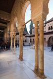 Alhambra-Innenraumdetails Stockfotos
