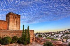 Alhambra Morning Sky Granada Cityscape-Kirchen Andalusien Spanien lizenzfreie stockbilder