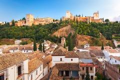 Alhambra no por do sol em Granada, a Andaluzia, Espanha Imagens de Stock Royalty Free