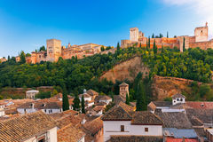 Alhambra no por do sol em Granada, a Andaluzia, Espanha Imagem de Stock Royalty Free
