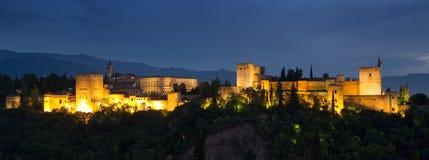 alhambra noc panorama zdjęcie royalty free