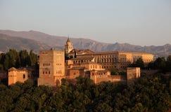Alhambra på solnedgången. Spanien arkivfoton
