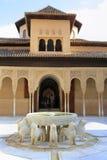 Alhambra Palace, corte dos leões em Granada, Espanha Fotografia de Stock Royalty Free
