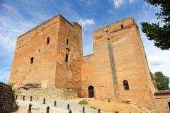 Alhambra Palace in Granada, Bermejas ragt, Andalusien, Spanien hoch Stockbilder