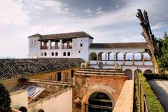 Alhambra Palace & trädgårdar i granat Arkivfoto