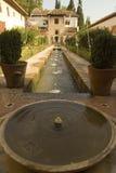 alhambra springbrunn royaltyfria bilder