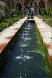 alhambra springbrunnvatten Royaltyfri Bild