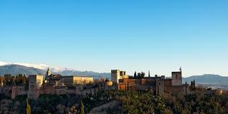 Alhambra von Granada in der untergehenden Sonne Lizenzfreie Stockbilder