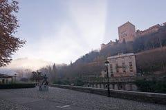 Alhambra y estatua del bailarín Mario Maya Foto de archivo