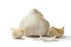 Alho branco com cravos-da-índia de alho Imagens de Stock