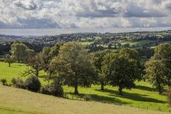 Alho-porro, Inglaterra, o Reino Unido - campos e árvores, em setembro de 2018 fotografia de stock
