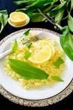 Alho-porro selvagem com arroz basmati e limão do açafrão Imagem de Stock Royalty Free