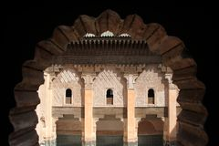 Ali Ben Youssef Madersa inre i Marrakech Marocko Arkivbild