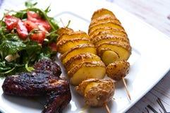 Ali di pollo al forno in salsa di soia scura Fotografia Stock
