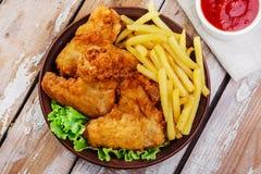 Ali di pollo fritto fotografia stock