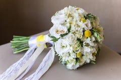 Alianças de casamento do ouro luxary Imagens de Stock