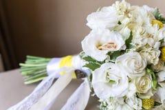 Alianças de casamento do ouro luxary Imagem de Stock Royalty Free