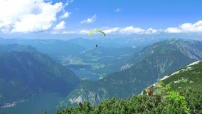 Aliante sopra le montagne e Lkes UHD archivi video