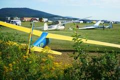 Alianti del campo e del motore del Aereo-club in Germania Fotografia Stock