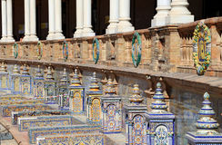 alicante arms det keramiska lag de garnering espana berömda plazasevilla spain temat gammal landmark arkivfoton