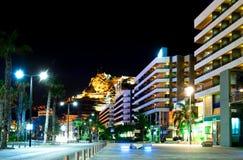 Alicante bij nacht. Spanje Stock Afbeeldingen