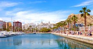 Alicante, ciudad hermosa en Costa Blanca, España fotos de archivo