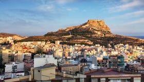 Alicante en Espagne au coucher du soleil photos stock
