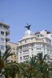 Alicante, Espagne - 30 juin 2016 : Vue de la vieille ville d'amiral July Guillen Tato d'avenue dans Alicante Photos stock