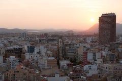 Alicante, Espagne - septembre 2015 : Vue de la ville au coucher du soleil image stock