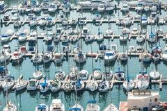 Alicante, Espagne - septembre 2015 : Yachts et bateaux dans la marina Photo stock