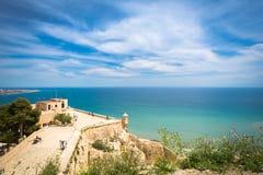 Alicante, mening van Santa Barbara Castle op de Benacantil-berg stock fotografie